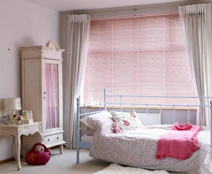 Жалюзи (70 фото): как опустить вниз пластиковые шторы-жалюзи на окна, какие лучше выбрать