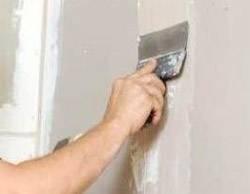 Как приклеить стекловолокно обои на стену: технология, последовательность работ и требования к поверхности перед оклейкой