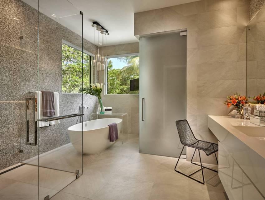 Плинтус в ванную комнату на пол (34 фото): нужен ли плинтус в ванной, как положить напольный полиуретановый вариант