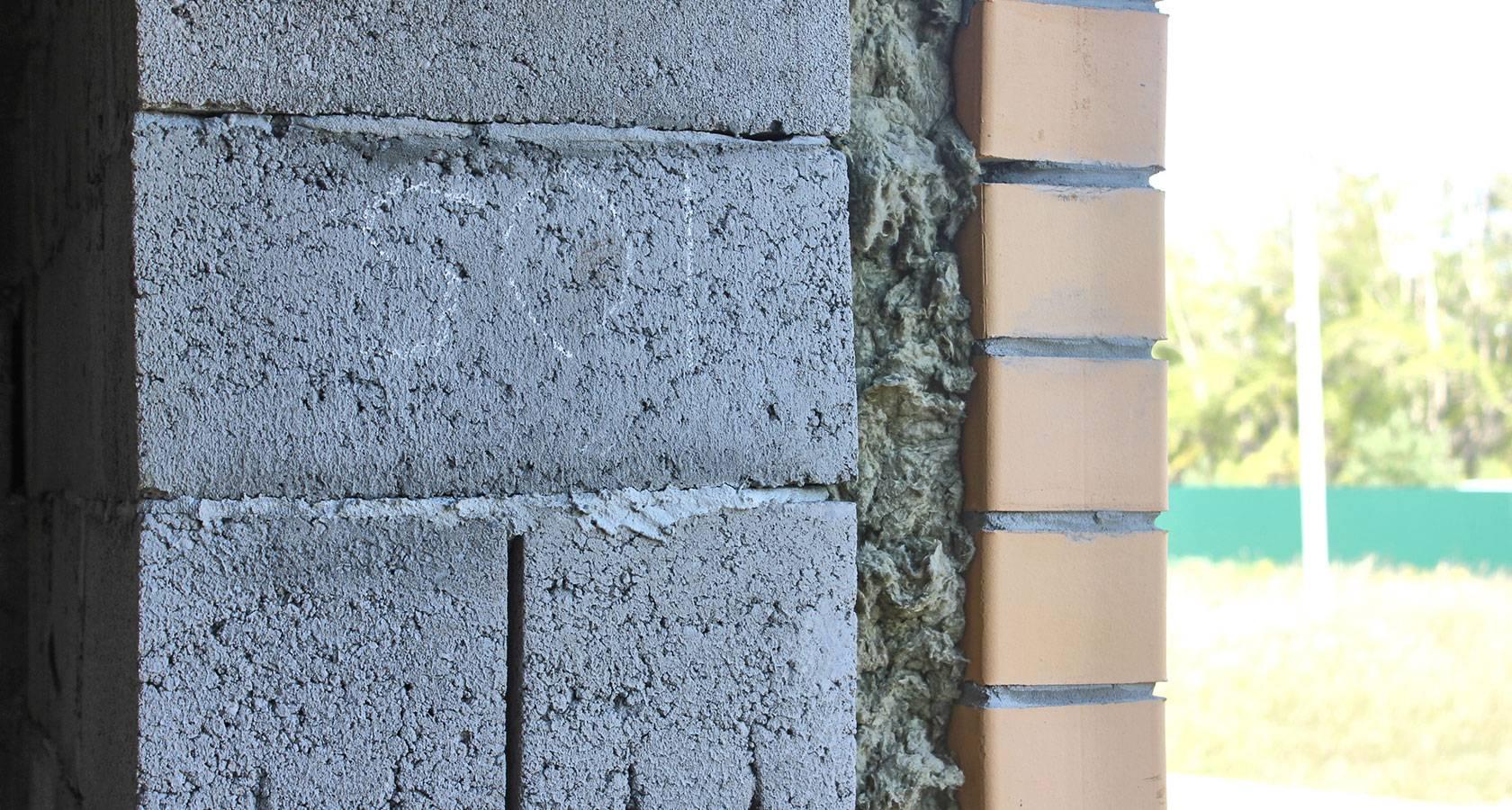 Строительство дома из керамзитобетонных блоков – особенности материала и нюансы использования