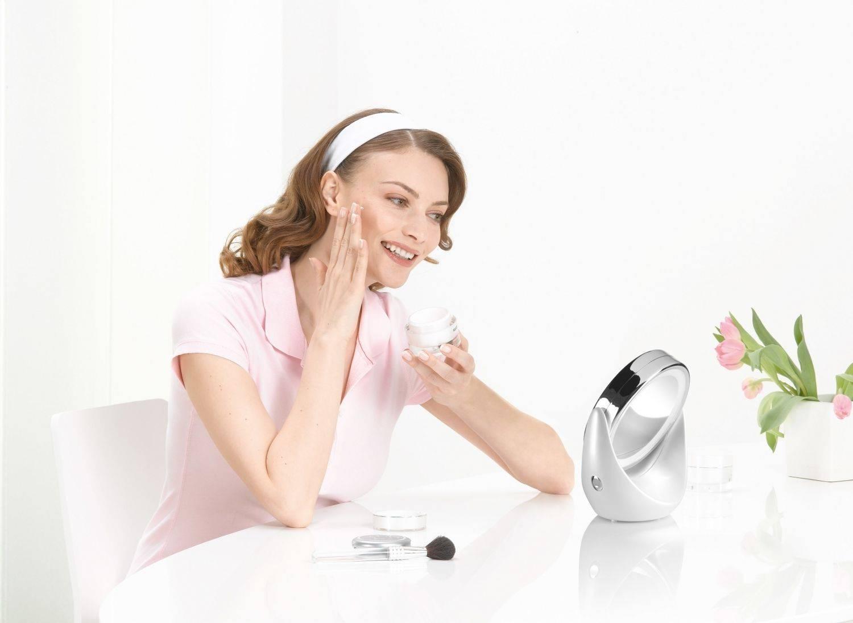 Зеркало с подсветкой для макияжа (69 фото): косметические и гримерные модели с led-лампочками, как выбрать макияжное трюмо визажиста