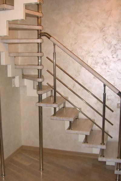 Особенности выбора перил для лестниц