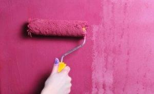 Обои под покраску: от технологии окрашивания до выбора краски