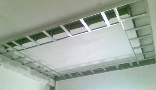 Короб из гипсокартона на потолке (61 фото): как сделать своими руками каркас для двухуровневой конструкции и как обеспечить крепление на профиль