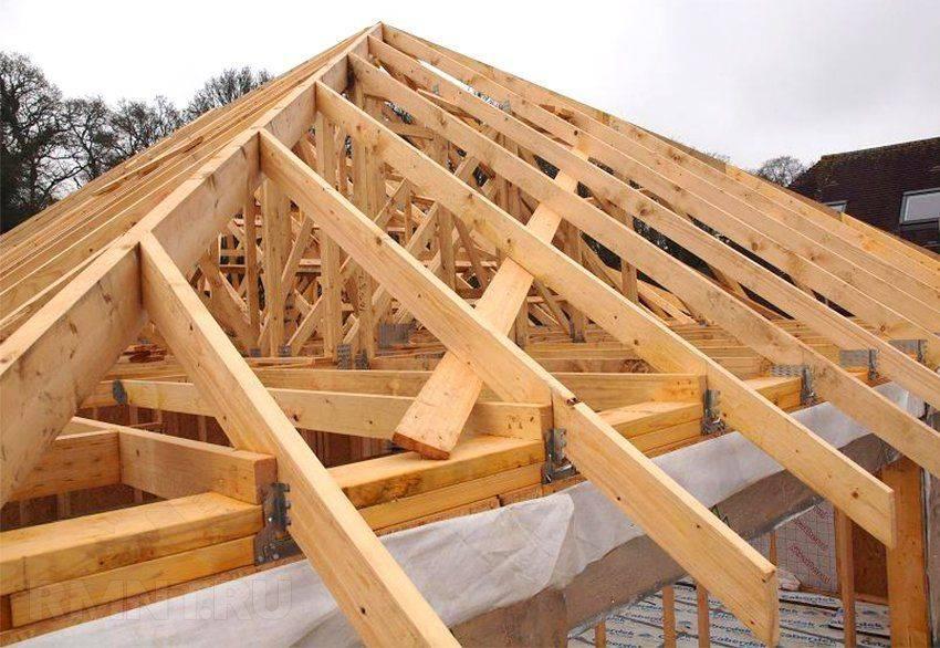 Устройство крыши деревянного дома: какую кровлю выбрать