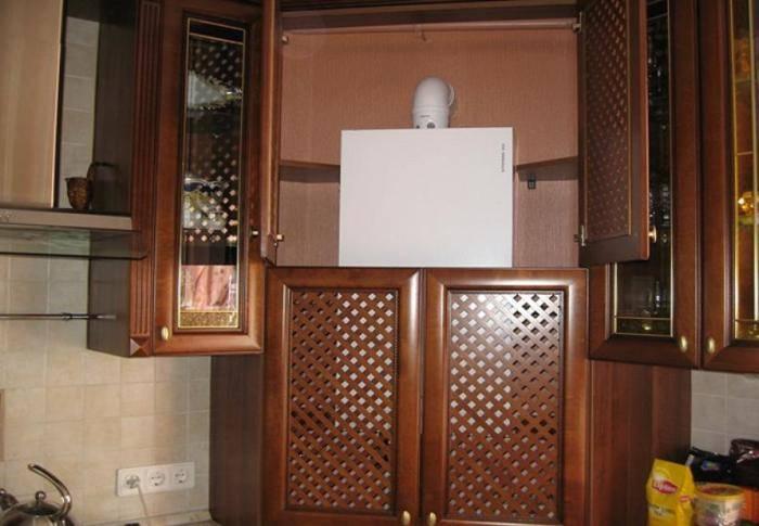 Кухня в «хрущевке» с газовой колонкой (45 фото): варианты дизайна помещения с угловым кухонным гарнитуром. как спрятать газовую колонку в интерьере?