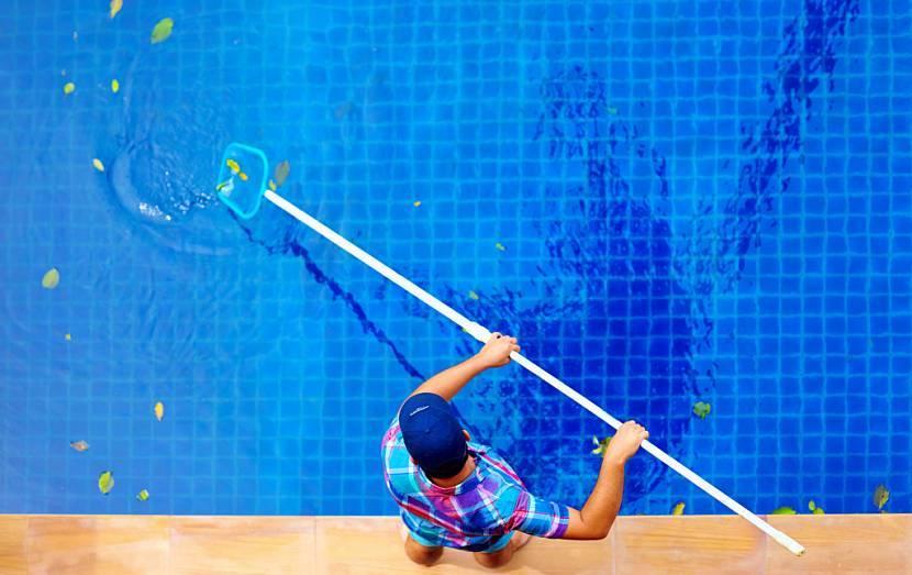 Уход за бассейном на даче: как и чем очищать воду, какие средства использовать
