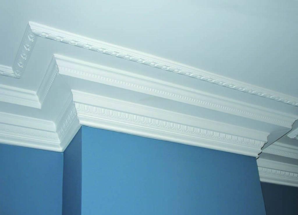 Полиуретановый плинтус для потолка: гибкое решение