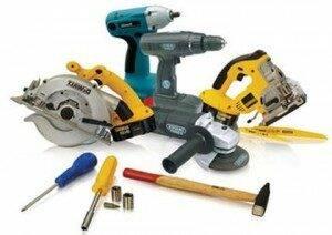 Какое оборудование и инструмент нужны для строительства дома?