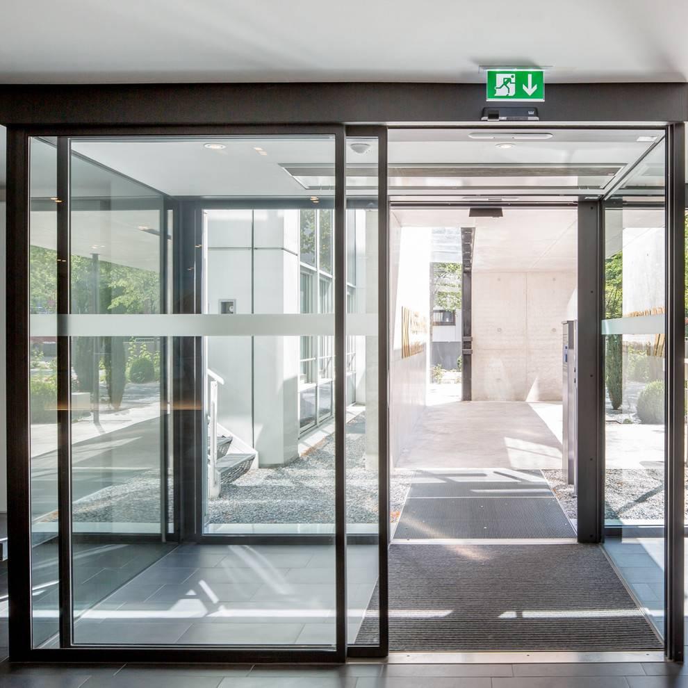 Входные раздвижные двери: порталы