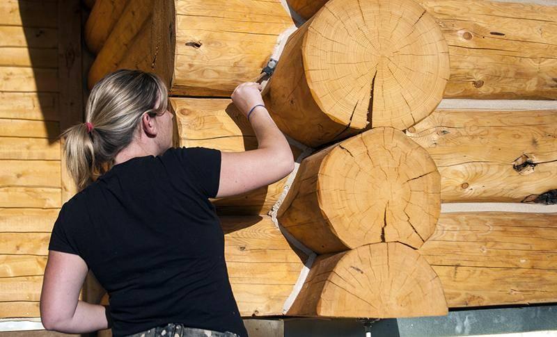 Чем обработать сруб после шлифовки – средства защиты деревянного дома