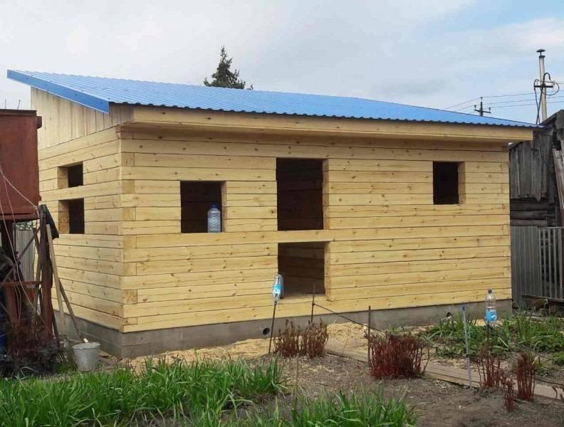 Когда лучше сделать односкатную крышу для бани