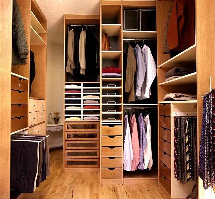 Системы хранения вещей для гардеробной: как держать вещи в порядке