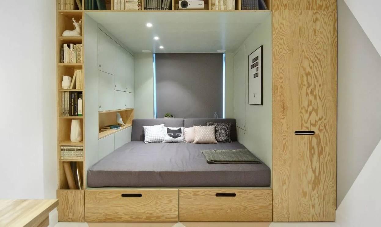 Кровать в однокомнатной или малогабаритной квартире: как поставить, куда