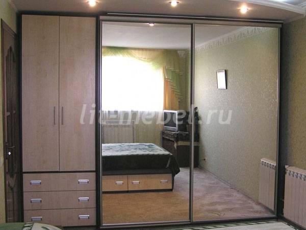 Шкаф-купе с зеркалом в калининграде недорого