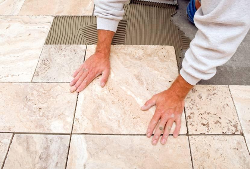 Технология укладки плитки на пол и стены в ванной и туалете своими руками: видео и пошаговая инструкция