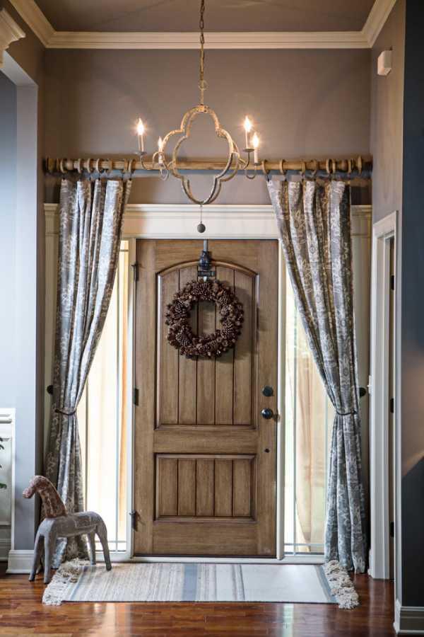 Шторы на дверь и дверные проемы: силиконовые, деревянные, декоративные висюльки, фото