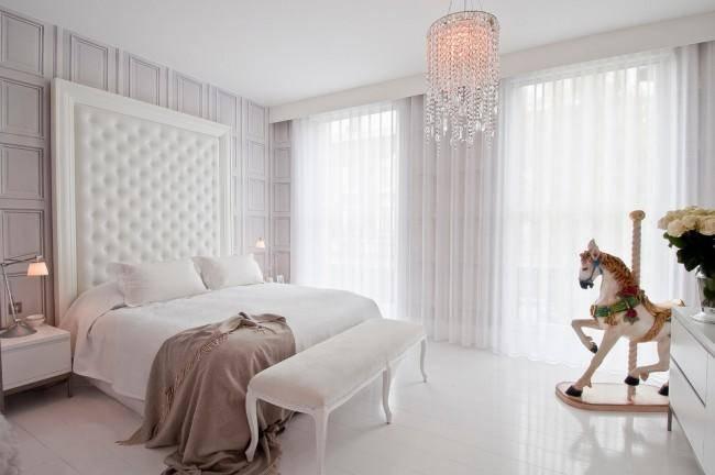 Тюль в спальню: привлекательный элемент интерьера от лучших дизайнеров