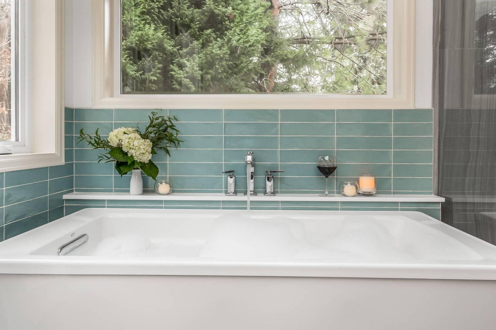 Угловая полка для ванной – из какого материала лучше? + видео / vantazer.ru – информационный портал о ремонте, отделке и обустройстве ванных комнат