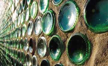 Строительства фундамента из бутылок – нестандартное решение