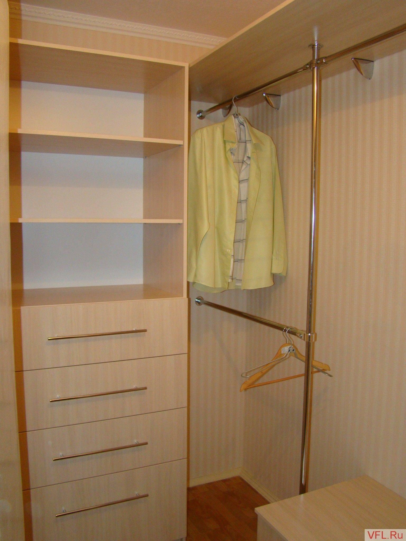 Гардеробная из кладовки (74 фото): варианты как сделать маленькой комнаты кладовой в панельном доме гардероб