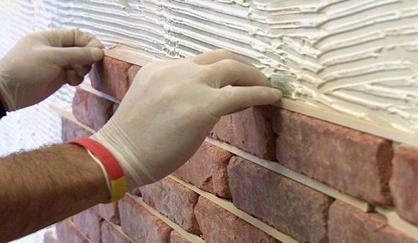Технология и нюансы укладки декоративного кирпича на стену