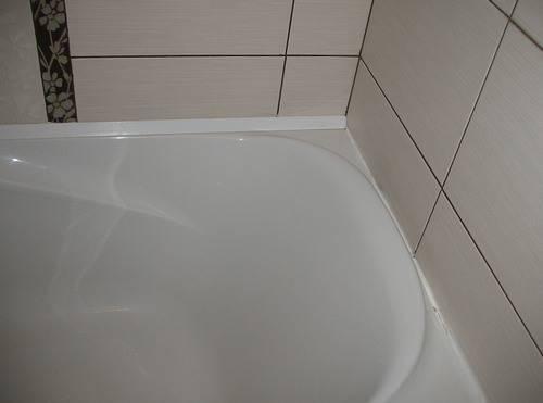 Как лучше и правильней заделать щель между стеной и ванной