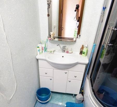 Как применять жидкие обои в ванной комнате: 35 фото
