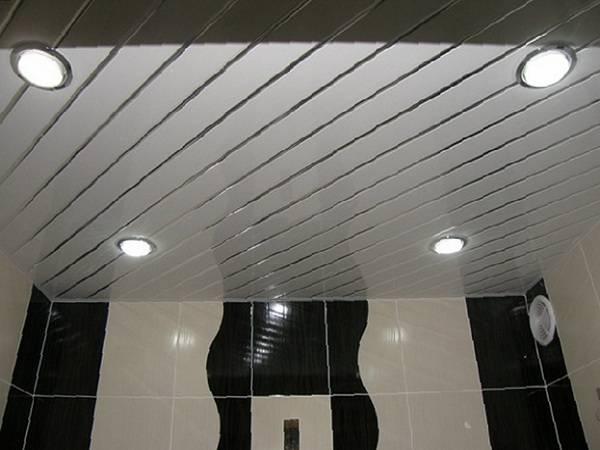 Реечный потолок: особенности конструкции, материалы, инструкция по монтажу своими руками
