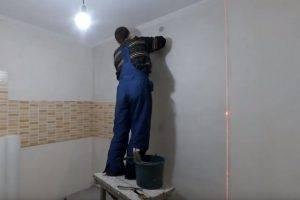 Особенности оклейки стен стеклообоями: инструменты для работы, как клеить стеклообои