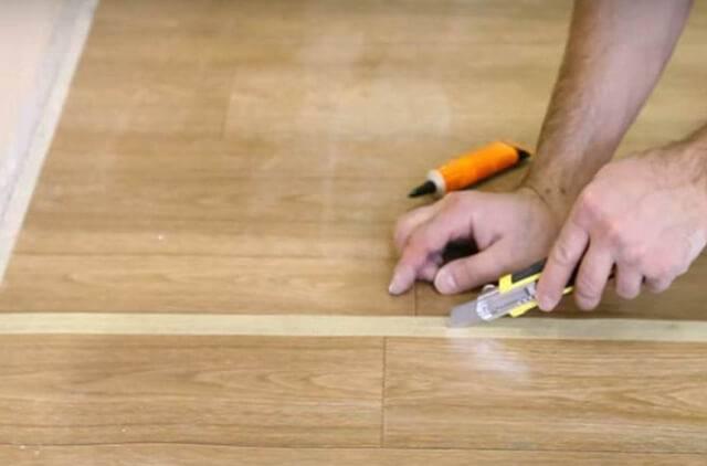 Как стыковать линолеум между собой - 4 варианта с пошаговыми инструкциями!