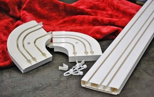 Карниз потолочный однорядный пластиковый - разновидности и монтаж