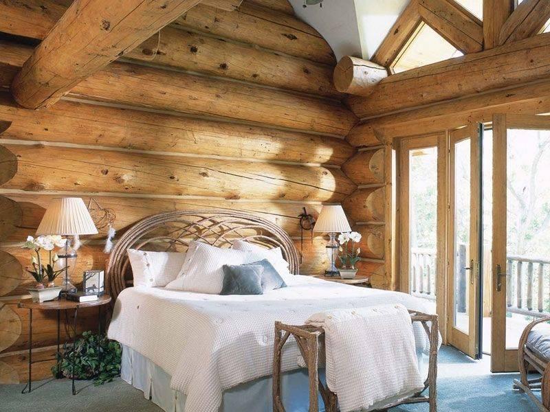 Спальни из дерева — лучший вариант для шикарного обустройства любого интерьера (125 фото)