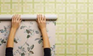 Как поклеить обои на крашеные стены и можно ли это делать на водоэмульсионную и масляную краску?