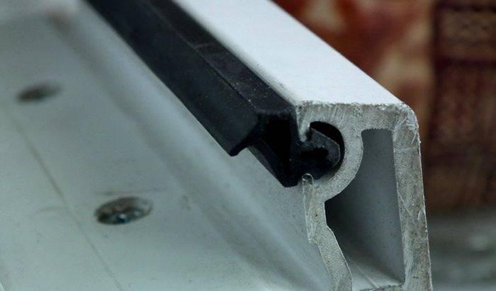 Замена резинок на пластиковых окнах