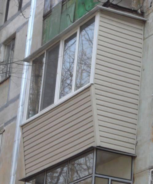 Чем отделать стены на балконе интересные способы отделки на лоджии, виды материала, фото