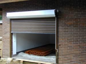 Плюсы и минусы рольставней для гаража