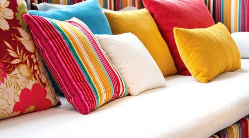 Покупаем или шьем своими руками? 50 идей декоративных подушек.