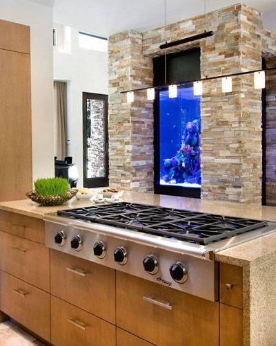 Как использовать аквариум в интерьере квартиры или дома | виды и формы аквариумов
