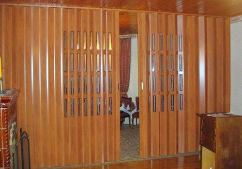 Монтаж межкомнатной двери-гармошки: схема, подготовка проема, сборка