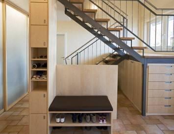 Чем может удивить пространство под лестницей: 150 лучших решений