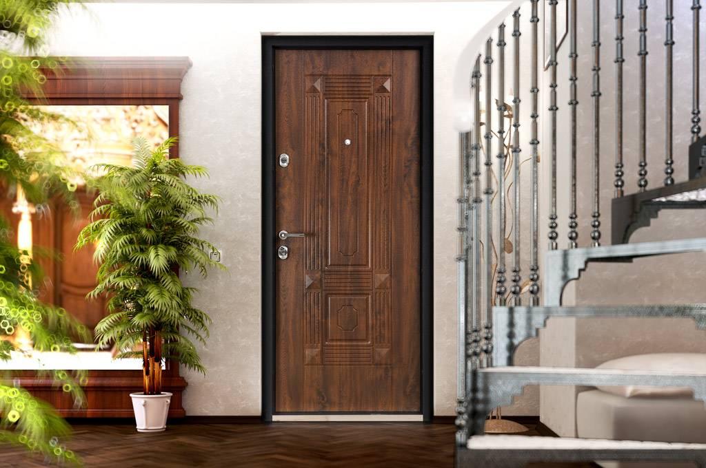 Накладка на входную дверь: фото, видео, разновидности декоративных панелей