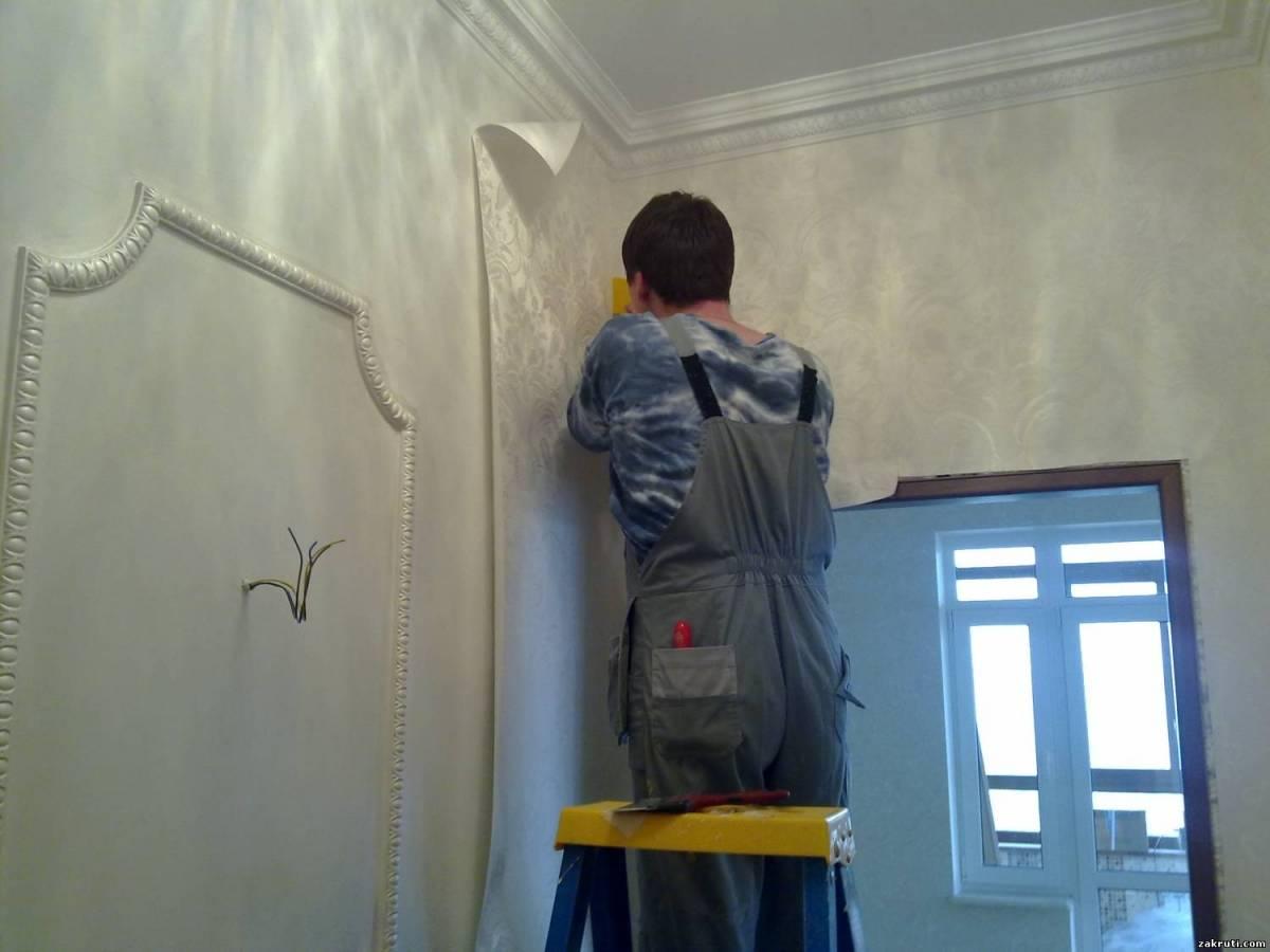 Можно ли клеить обои на водоэмульсионную краску? 44 фото как приклеить на стены крашеные масляной и вододисперсионной водостойкой краской