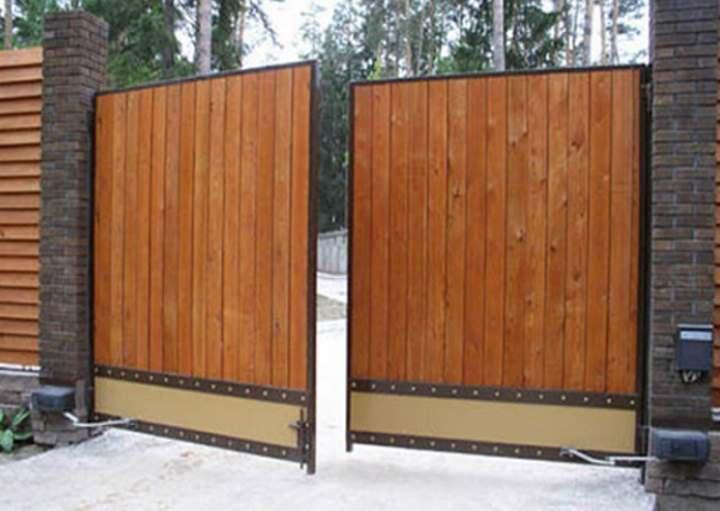 Монтируем деревянные распашные ворота своими руками: Инструкция — Обзор
