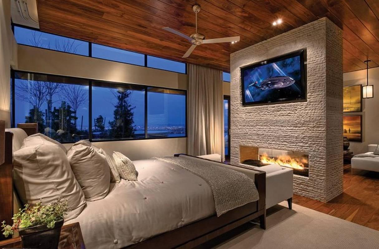 Высота телевизора в спальне на стене