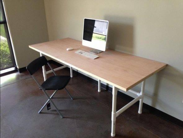 Угловой компьютерный стол своими руками.