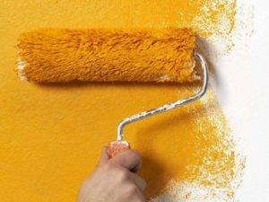 Валик для водоэмульсионной краски: какой лучше выбрать для стен и потолка (фото)