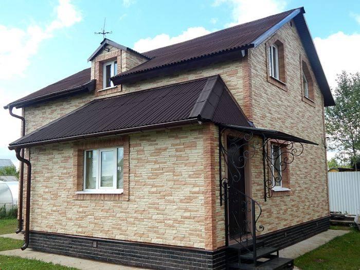 Сайдинг под камень (47 фото): фасадный виниловый и пластиковый для домов, примеры построек обшитых сайдингом и тонкости внешней отделки