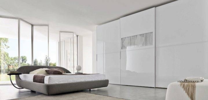 Белый шкаф в интерьере спальни - с чем сочетать? как выбрать?