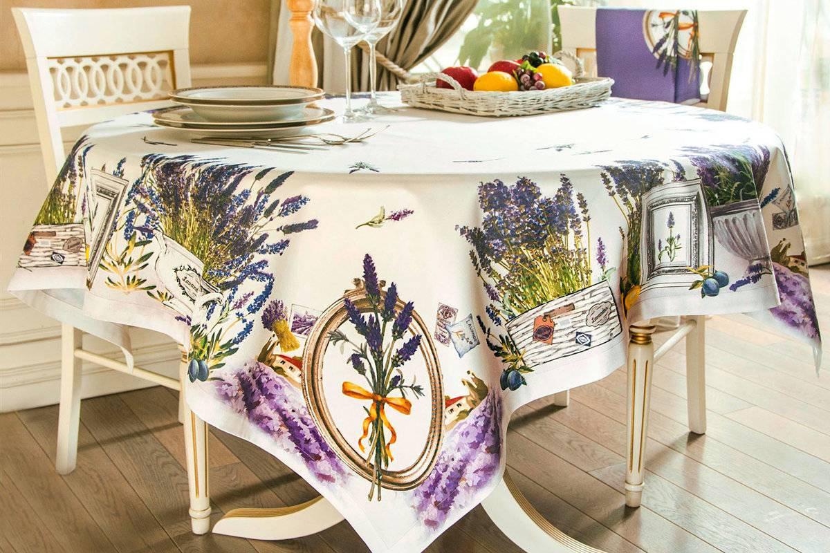 Скатерть на стол для кухни (70 фото): прозрачная силиконовая клеенка на кухонный стол, водоотталкивающая стеклянная скатерть на круглый стол и другие варианты